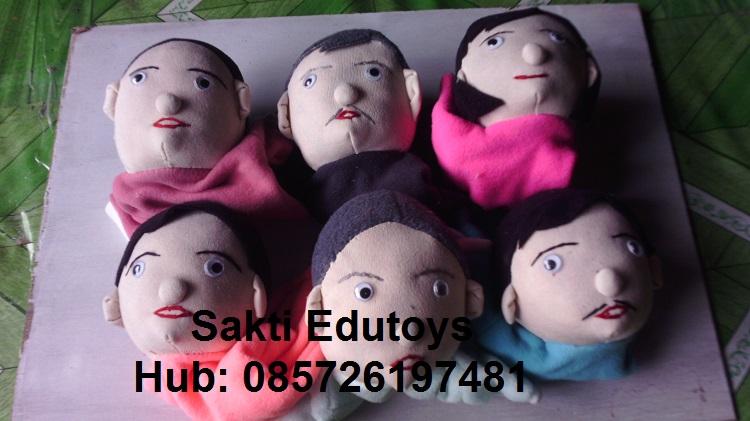 Boneka Tangan 02