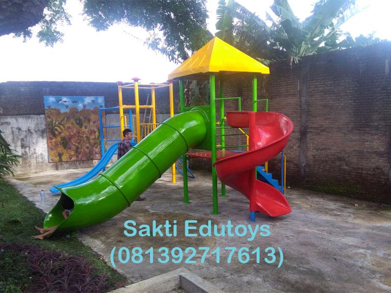 Dalam tulisan ini akan kami jelaskan secara sekilas tentang playground anak  yang kami produksi di workshop kami. Playground anak adalah wahana bermain  anak ... 32fed7625e