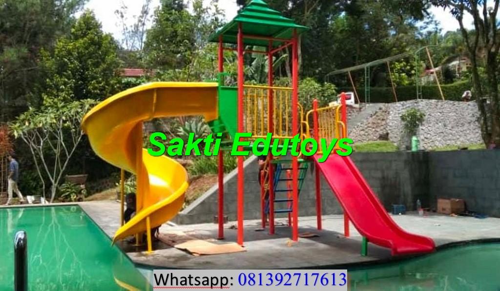 Satu Unit Playground Kolam Renang Sukses Terpasang di Puncak Bogor Tanpa kendala